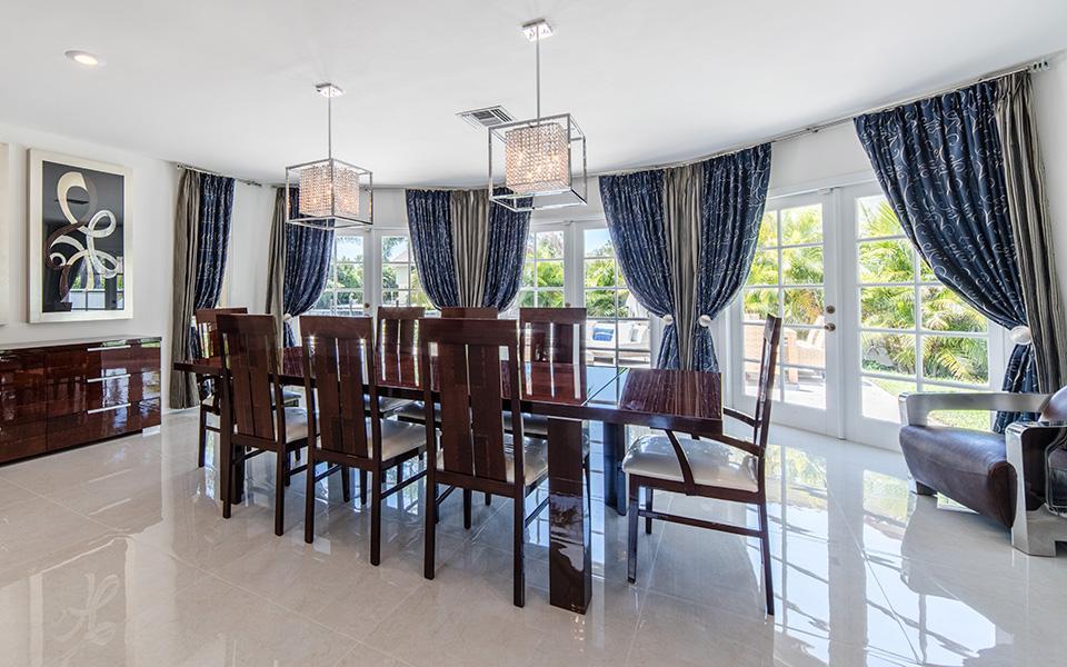Villa Lara, Delray Florida - Golden Coast Real Estate Villa for sale
